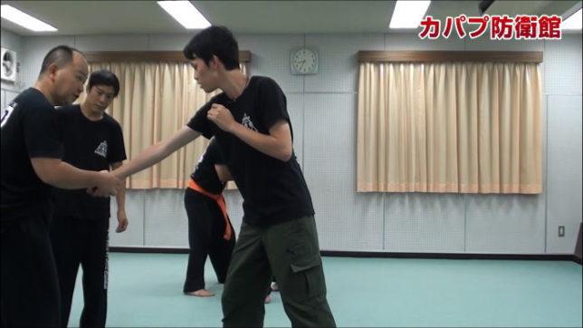 フックパンチ・ナイフファイティングトレーニング